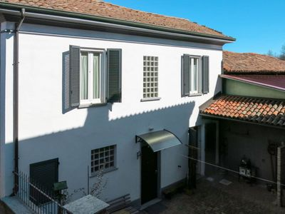 Photo for 2 bedroom Villa, sleeps 4 with Air Con and Walk to Shops