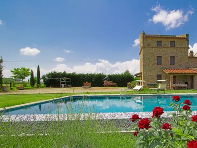 Photo for Vacation home Il Loto in Cortona - 9 persons, 4 bedrooms