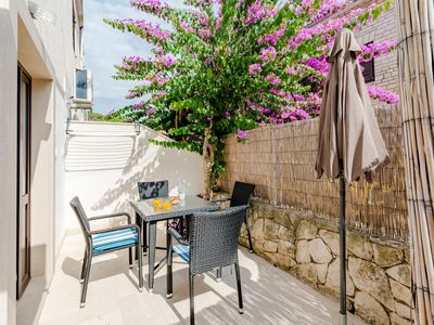 Photo for One bedroom apartment with terrace Sutivan, Brač (A-2842-g)