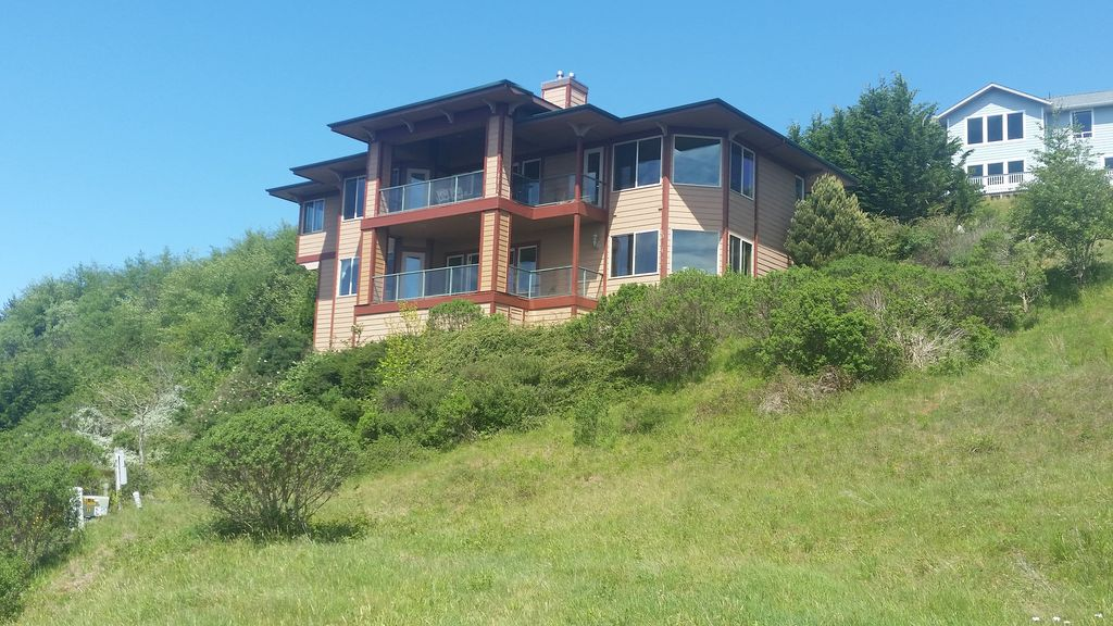 Brookings bird 39 s eye view 4 br vacation house for rent for Cabin rentals brookings oregon