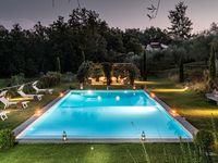 Wonderful retreat with private pool in beautiful Tuscan countryside