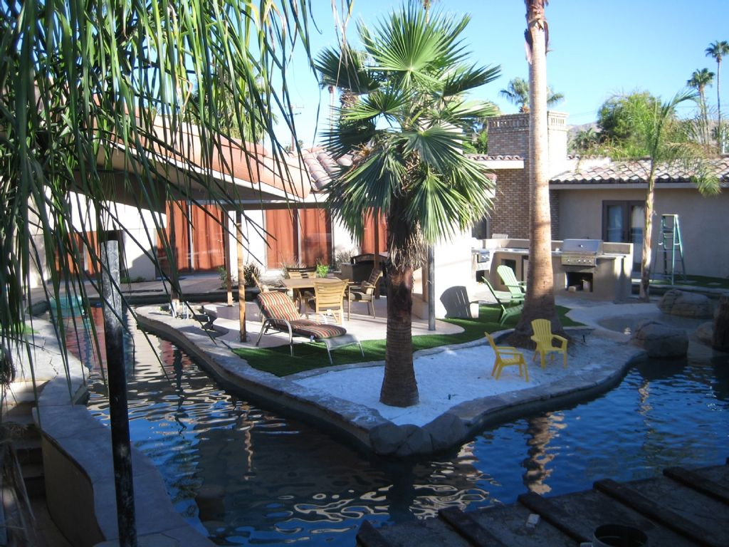 . 20  DISCOUNT ALL OPEN JANUARY WKENDS       HomeAway Warm Sands