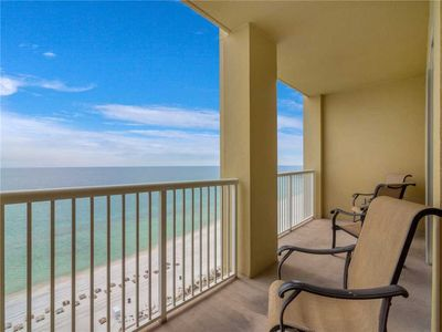 Gulf-View Balcony – Start the day with a cup of coffee on the balcony overlooking the surf and breath in the salty sea air.