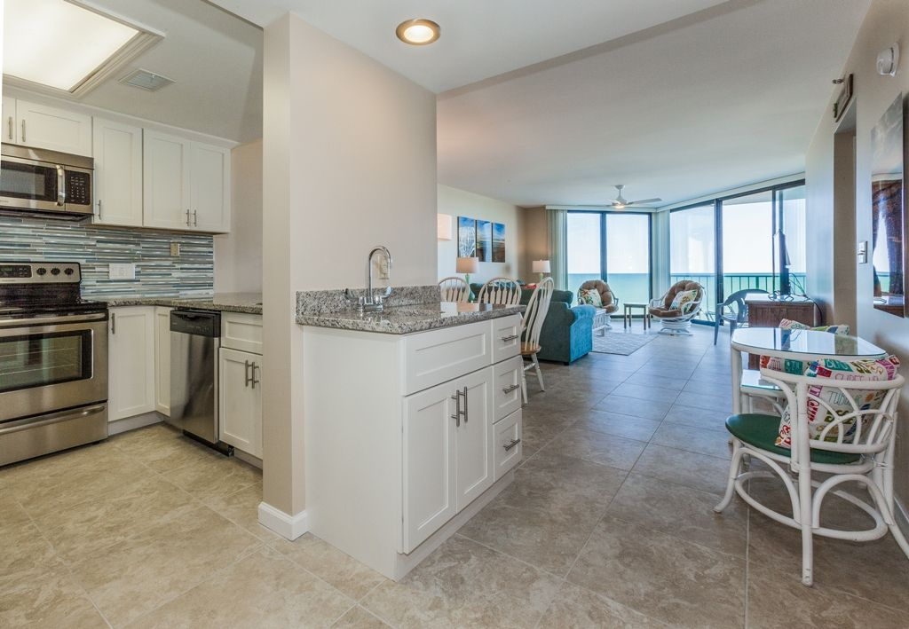 Property Image#3 One Ocean Place   Completely Renovated Oceanfront Condo In Garden  City Beach