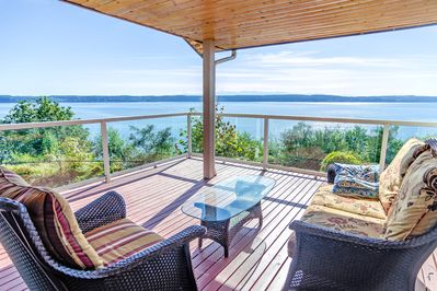 Deck - Enjoy your morning coffee on the wraparound deck with unbeatable views.
