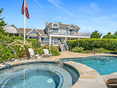 Photo for Exclusive Avalon retreat located on the highest point of the Island with sweeping 360 degree panoramic views.
