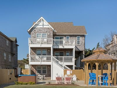 Photo for Queen Anne's Retreat: 5 BR / 4 BA house in Nags Head, Sleeps 10
