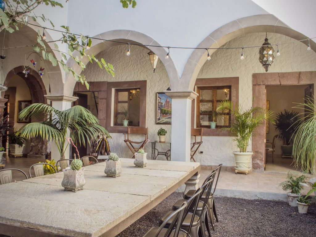 Spectacular Colonial House for 9 - Huge Terrace - 3 Blocks away to the  Parroquia - Centro Historico