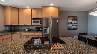 Gorgeous counter tops - Fully equipped kitchen!