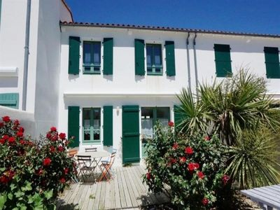 Photo for Villa La Couarde-sur-Mer, 3 bedrooms, 6 persons