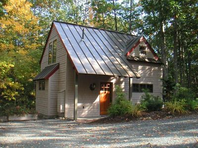 Photo for Acorn Cottage - in the village of Bar Harbor, walk to ANP