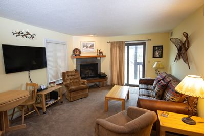 Welcome to our cozy and charming condo in Okemo! (Please note that the decor varies)