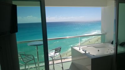 Photo for Great Location at heart of Cancun Hotel Zone and the best beach: Chac Mol