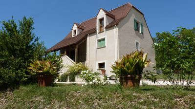 Photo for Private pool house near Saint-Cirq Lapopie Sud France