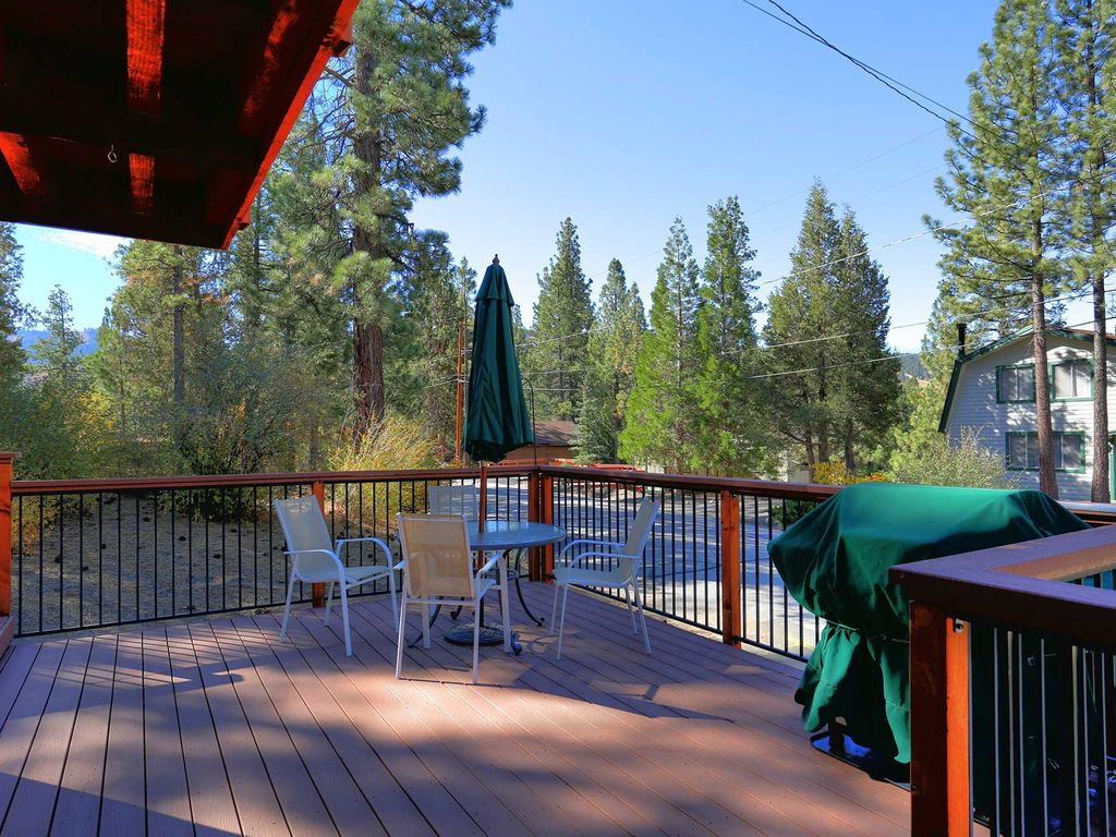 Property Image#2 Bear Tree Hideaway~3 Bd~Hot Tub~Pool Table