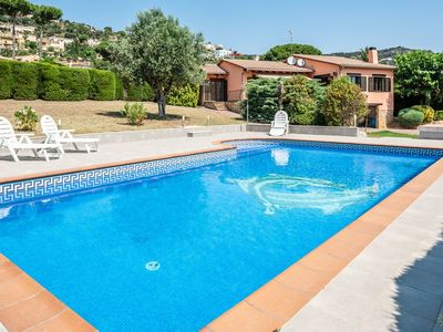 Photo for Large house with pool and garden. Ideal for families with children.