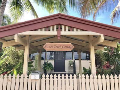 Photo for ❤️Palm Cove Cottage❤️ ⭐️200m to Beach, Cafes and Restaurants ⭐️Free Bikes