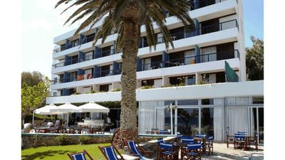 Photo for Deluxe room in Residence on the beach, 600 meters from the center of Karystos