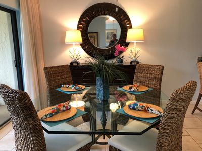 Lovely dinning area . . . please come join us!