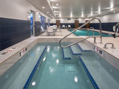 Photo for Free Breakfast. Pool & Hot Tub. Great Location! Near Rushmore Crossing Shopping Complex