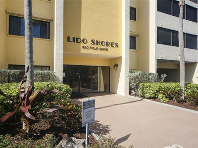 Photo for Beautifully appointed 2nd floor condo at Lido Shores just steps from Lido Beach
