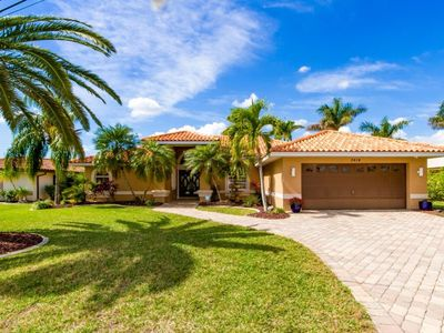 Photo for SE Cape Coral   Direct Access   Great for boating, only 2 minutes from the river