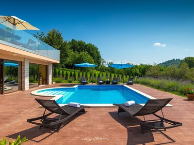 Photo for Impressive modern villa with pool near Buzet
