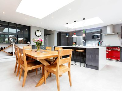Photo for Fantastic modern and beautifully decorated house with spacious garden (Veeve)