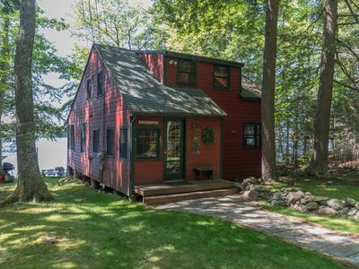 Photo for Enchanted Summer/Fall lakefront Cottage