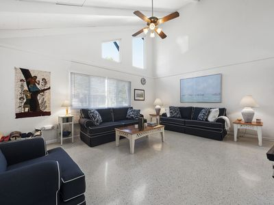 Photo for Sanibel Shores B1, Walking Distance to Beach, FREE Bikes 4 night minimum