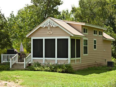 Photo for Charming Cottage with Private Hot Tub on Screened in Porch