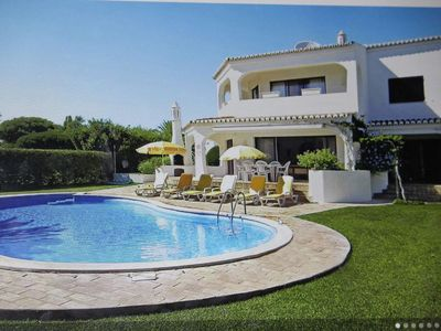 Photo for Very spacious villa, with 4 bdr, en suite bth, walking distance from the sea