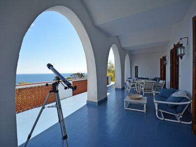 Photo for Beautiful villa with sea access and pool