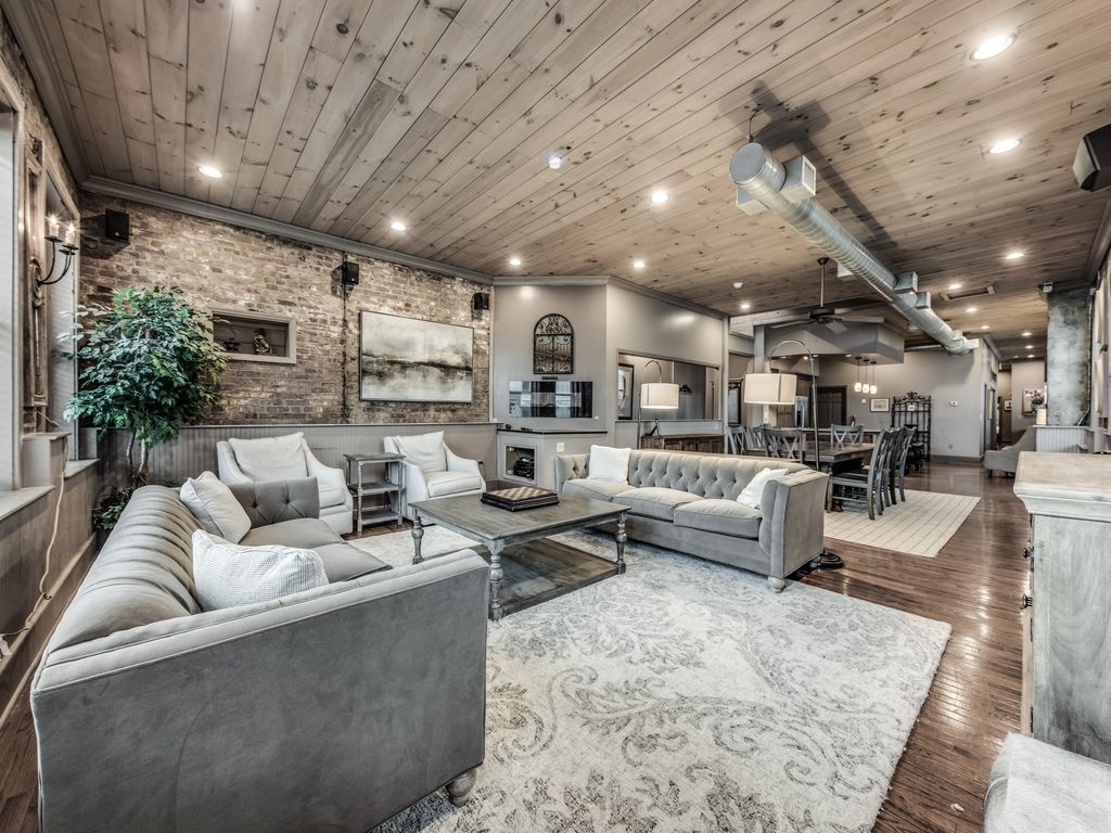 Cook Loft 2200 Sq Ft Luxury Downtown Co Vrbo