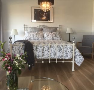 Photo for Guest House Vacation Rental in Aberdeen, NSW