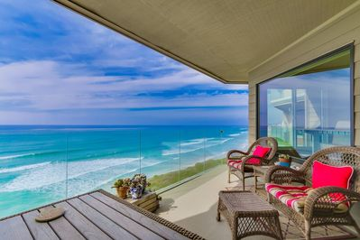 Balcony - Beautiful ocean view right on the water!