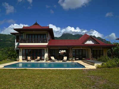 Photo for Stylish decorated 03 bedrooms villa with pool and views on the Ocean