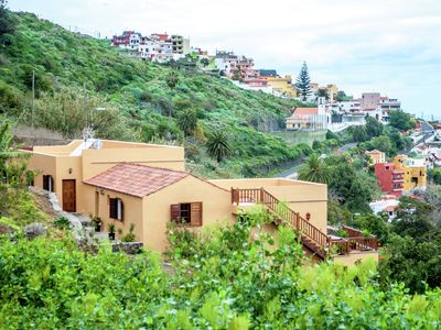 Photo for Nice apartment with fantastic views of the coastline of Tenerife