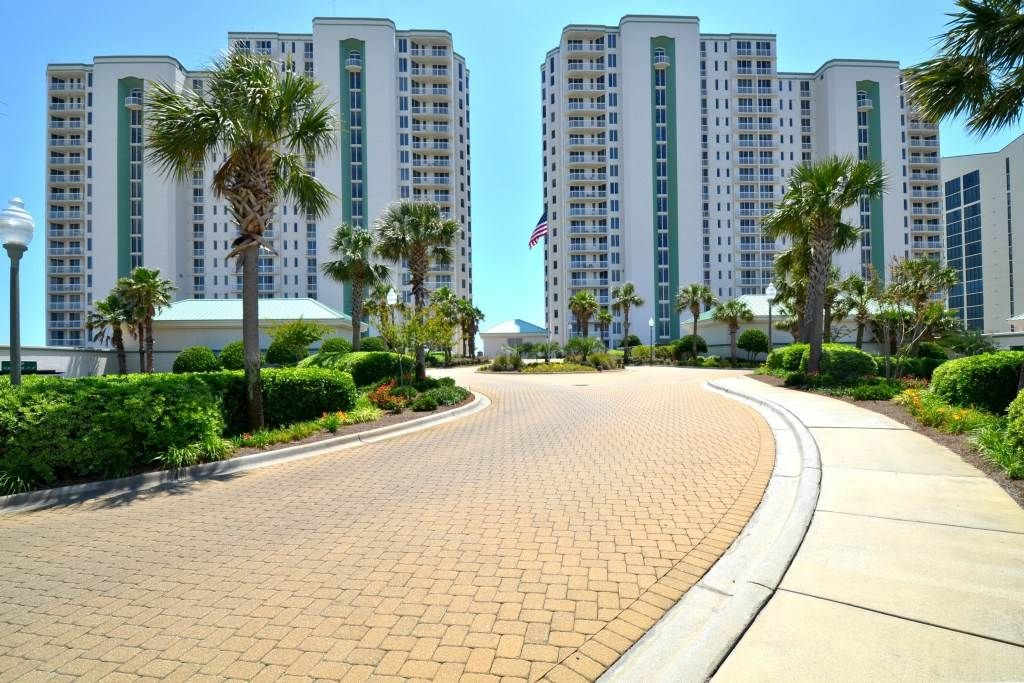 4 bedroom 3 bath gulf front condo w 806 sleeps 10 for 9 bedroom rental destin florida