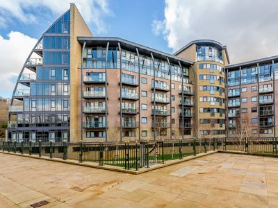 Photo for Luxury 1 Bed Apartment in Shipley