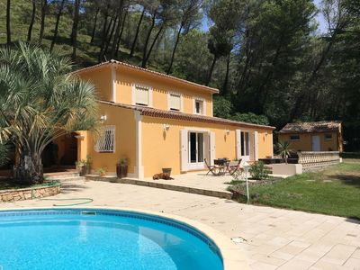 Photo for Provencal house in absolute calm with swimming pool
