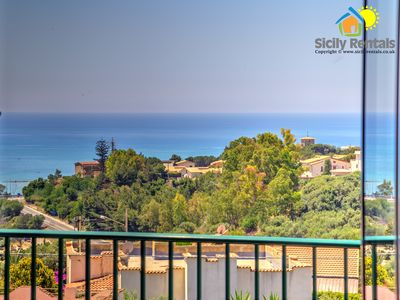 Photo for Beautiful apartment with sea view, just 5 minutes from Scala dei Turchi