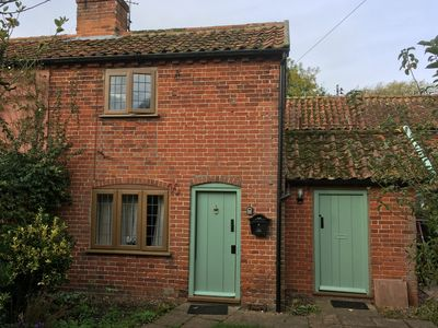 Photo for Cosy cottage in peaceful hamlet of Sibton Green