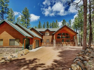 Photo for Chic's Coop - Pinetop Family Getaway w/Pool Table - Acre Lot - Sleeps 20!