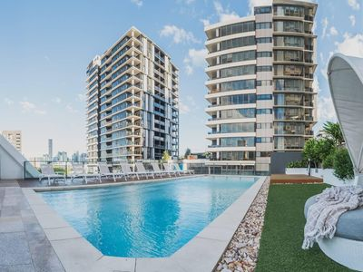 Photo for 2 Bed Brisbane Resort Apartment