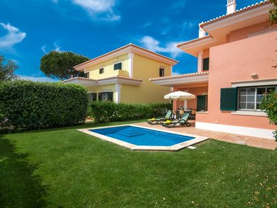 Photo for 2 bedroom Villa, sleeps 4 in Quinta do Lago with Pool, Air Con and WiFi