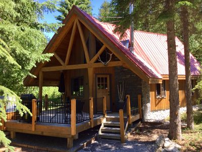 Photo for Luxury Cabin with Private Hot Tub Located In The Center Of All National Parks!