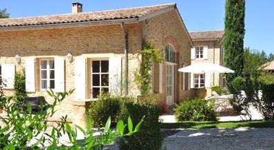Photo for Le Colombier, charming holiday home, 8-10 p., at the gates of Provence