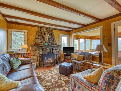 Photo for Charming family vacation home close to Rocky Mountain National Park