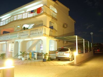 Photo for 8 apartments for 2-8 persons, 50m to the beach, barbecue, playground